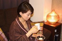 5、生姜茶を飲んでいただきます